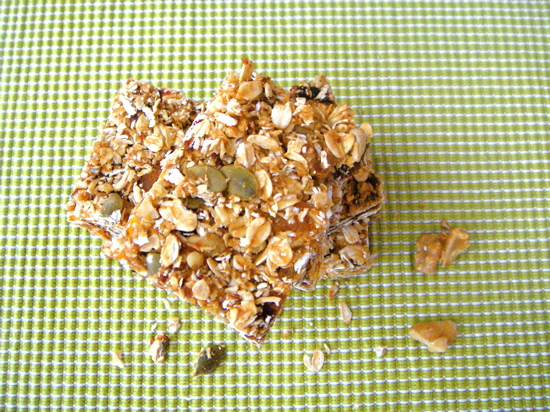 Walnut Apricot Granola Bar