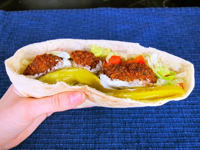 Falafel-Pita-Sandwich