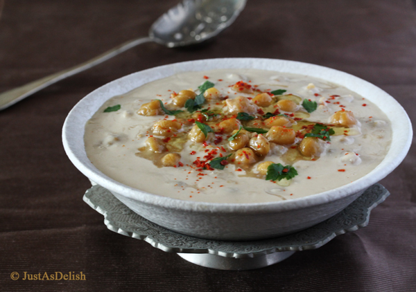 Musabaha (Whole Chickpea Hummus)