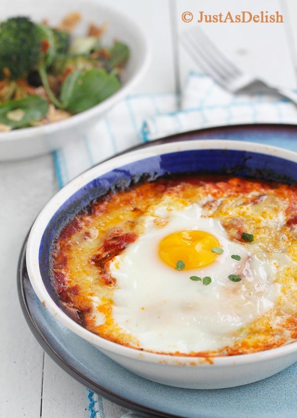 Baked Eggs in Pomodoro Sauce