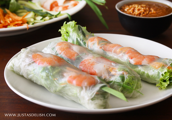 Vietnamese Shrimp Roll with Peanut Hoisin Sauce ((Gỏi Cuốn with Nước Lèo)