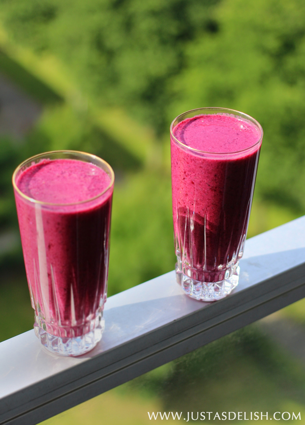 Very Berry Power Smoothie1