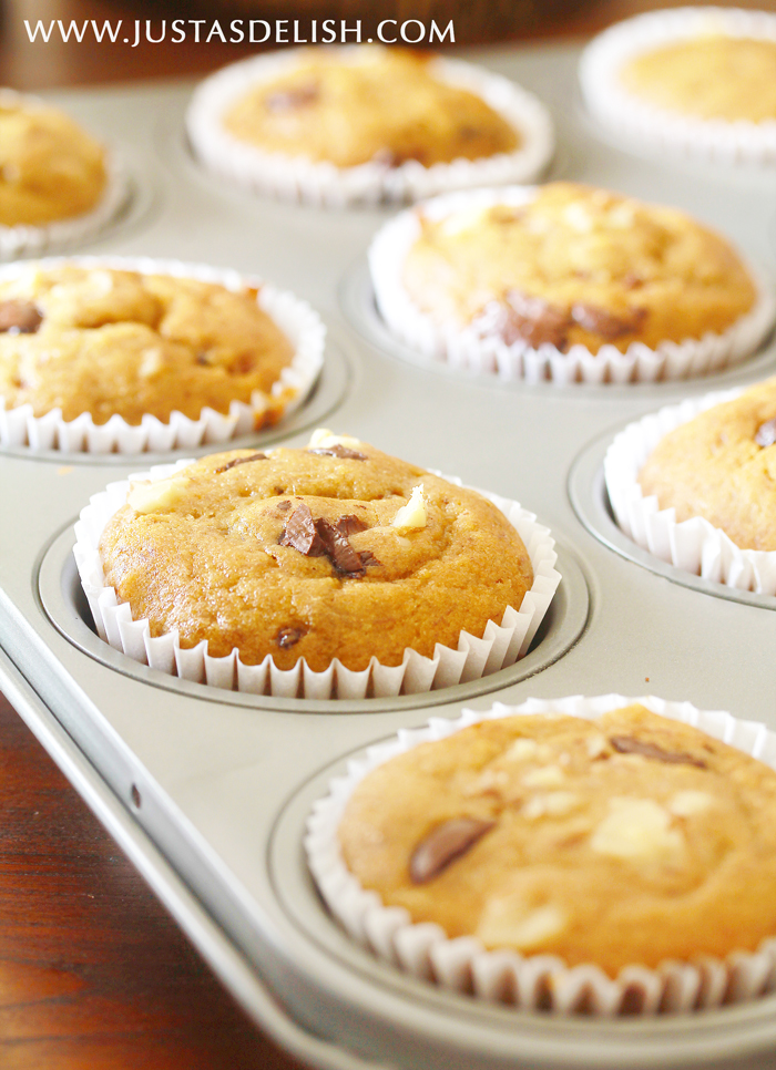 Banana Bread Muffins with Macadamia & Dark Chocolate (Gluten & Dairy Free) | Justasdellish.com