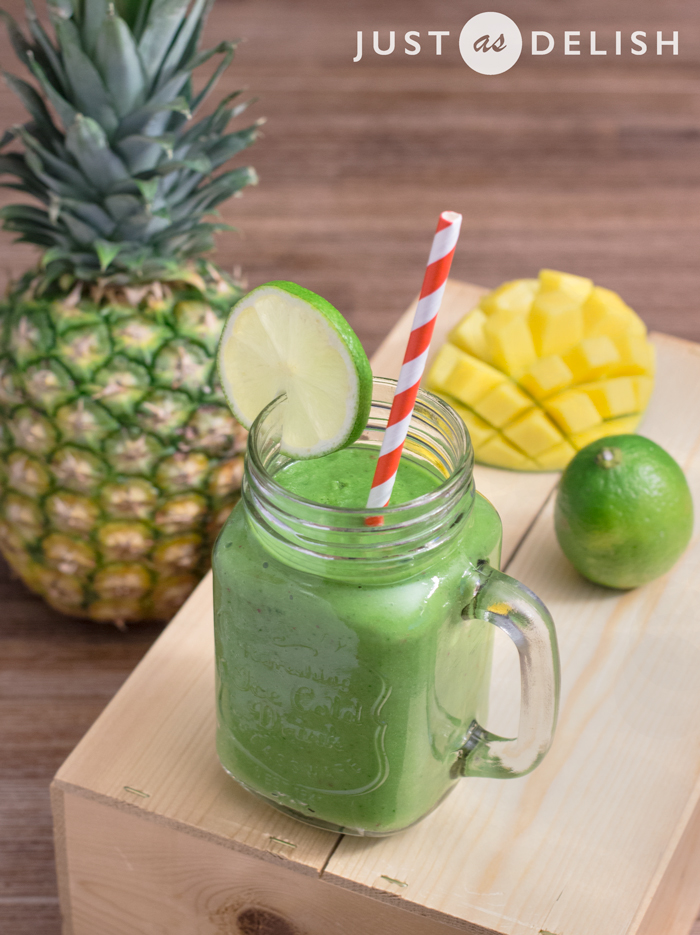 Tropical Green Smoothie from Asian Raw Food Kitchen by Shannon Lim-de Rooy